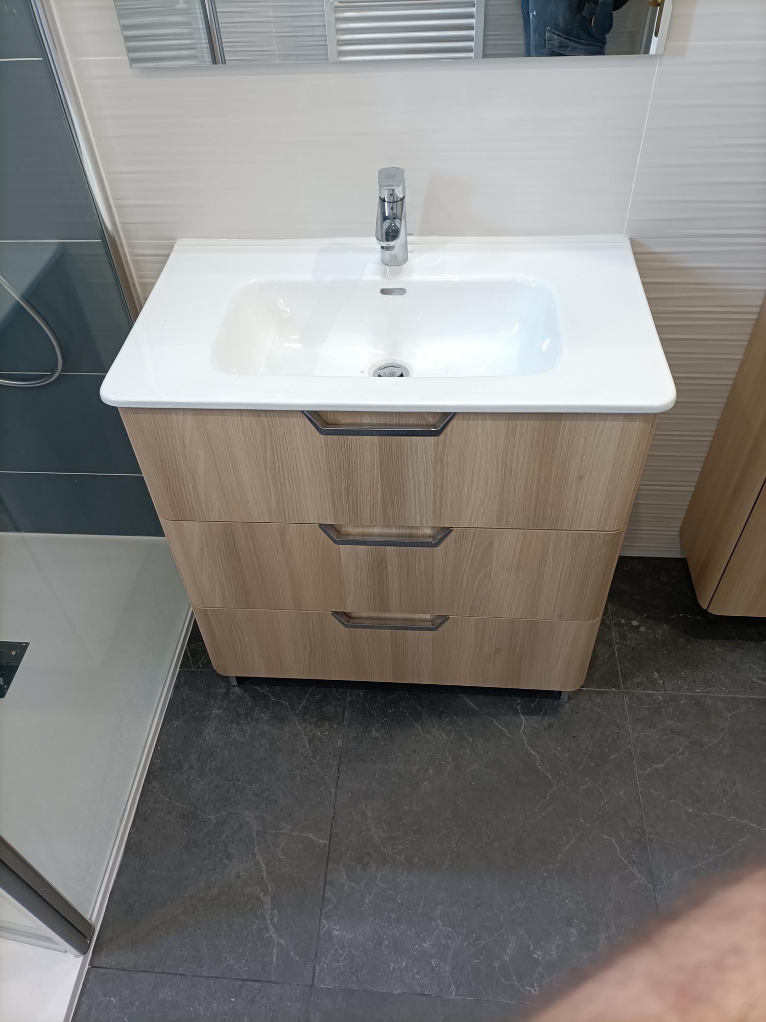 installation meuble vasque et robinetterie à rennes