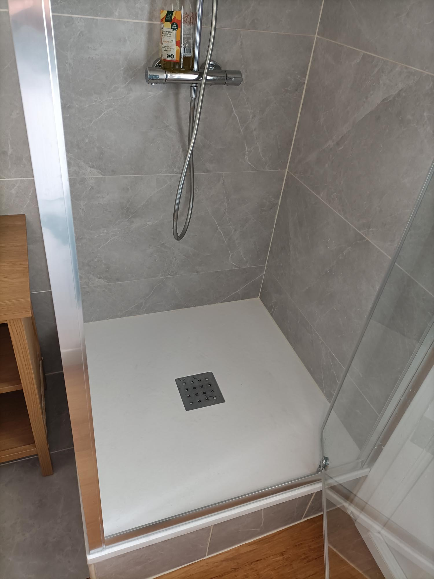 création d'une douche et pose carrelage